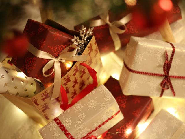 Four Ways To Save Money During The Holidays